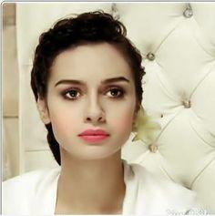 Foto: #Birce #Akalay ♥ Turkish Beauty, Turkish Actors, Celebs, Celebrities, Beauty Women, Hollywood, Actresses, Makeup, People