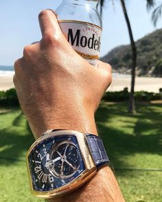 REPOST!!!  Welcome to paradise ☀️ . . . . #franckmuller #vanguard #yachting #yacht #tourbillon #watchcollector #watchaddict #watchporn #watchoftheday #womw #raconligroup #modelo #acapulco #beachclub #watchanish #watchanishfranckmuller  Photo Credit: Instagram ID @raconli_group