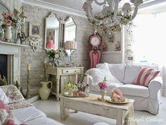 Decoration Shabby, Shabby Chic Farmhouse, Shabby Cottage, Cottage Style Decor, Romantic Cottage, Shabby Chic Cottage, Shabby Chic Fireplace, Shabby Chic Homes, Shabby Chic Wall Clock