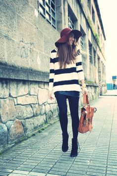 Oversized sweater with tights