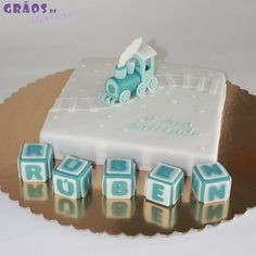 Bolo Comboiozinho Cake Design, Cupcakes, Desserts, Food, Decorating Cakes, Maids, Tailgate Desserts, Cupcake, Meal