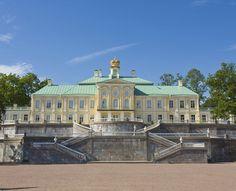 Grand Menshikov Palace https://www.google.com/maps/search/palace+near+Russia,+Lomonosov,+Oranienbaum/@59.915298,29.754476,3a,75y,219.8h,72.46t/data=!3m5!1e1!3m3!1s3FL8jCkaoLOed4FEfoTKnQ!2e0!3e5