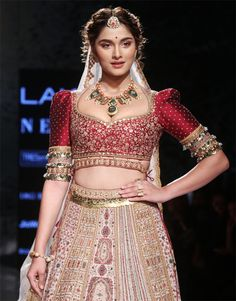 Salman's co-star is such a stunner! Saiee Manjrekar made her LFW debut as she turned showstopper for Jigvijay and Varsha. Indian Bridal Outfits, Indian Bridal Fashion, Indian Fashion Dresses, Indian Bridal Lehenga, Indian Designer Outfits, Bridal Dresses, Bridal Anarkali Suits, Bridal Blouse Designs, Saree Blouse Designs