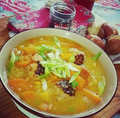 Hearthy Traditional Irish Coddle With A Twist! Irish Coddle, Irish Traditions, Blondies, Stew, Sausage, Bacon, Naked, Curry, Dishes