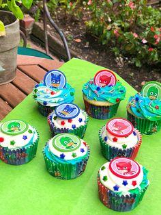 Cupcake decorating kits available at Walmart Pj Masks Birthday Cake, Birthday Cup, 4th Birthday Parties, Pj Masks Cupcake Toppers, Pj Mask Cupcakes, Pjmask Party, Party Ideas, Pj Mask Party Decorations, Birthday Dinner Menu