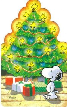 Snoopy Standing in Front of a Christmas Tree With Woodstock and Friends as Tree Decorations and Lights Charlie Brown Y Snoopy, Charlie Brown Christmas, Peanuts Cartoon, Peanuts Snoopy, Peanuts Christmas, Christmas Time, Merry Christmas, Snoopy Gifts, Snoopy Quotes