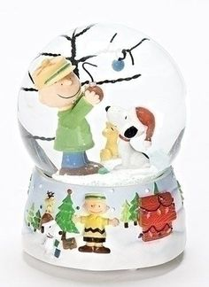 Peanuts Snoopy and Charlie Brown 100mm O Christmas Tree Musical Water Globe