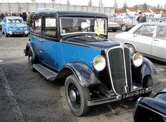 Renault Monaquatre bleue et noire 1933 et R8G by gueguette80, via Flickr