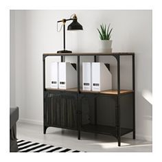 IKEA - FJÄLLBO, Regal, , Dieses rustikale, offene Regal aus Metall und Holz hat keine Rückwand - praktisch zum Ordnen von Kabeln und Steckern.Man kann bei wenig Platz mit einem Element beginnen und es je nach Aufbewahrungsbedarf erweitern.Steht dank höhenverstellbarer Fußkappen auch auf unebenen Böden stabil.