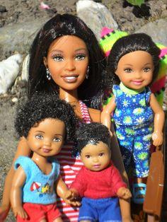 Barbie Et Ken, Barbie Kids, Barbie Skipper, Barbie Dress, Beautiful Barbie Dolls, Vintage Barbie Dolls, Barbie Happy Family, Barbie Clothes, Barbies Dolls