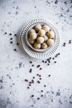 5 Minute Peanut Butter And Chocolate Energy Balls
