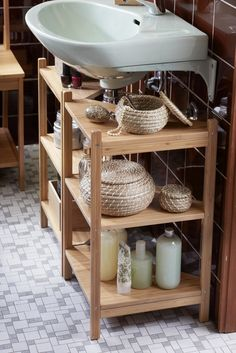 20 Clever Pedestal Sink Storage Design Ideas To all small bathroom owner, please never think that you do not get any luck. You only need to make storage in your small yet cute bathroom Small Bathroom Storage, Bathroom Organisation, Diy Bathroom Decor, Organization Ideas, Storage Ideas, Bathroom Ideas, Bathroom Renovations, Creative Storage, Storage Hacks