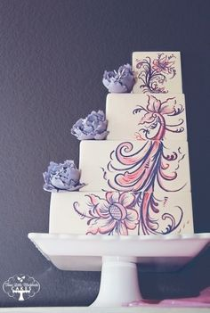 Purple flower wedding cake