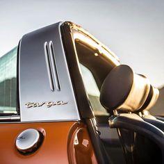 Porsche 911 Targa Singer