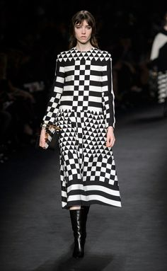 Valentino- #PFW Fall/Winter 2015/2016 www.so-sophisticated.com