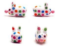 smorkin labbit series 3: polka dot bubblegum labbit - frank kozik x kidrobot, 2007