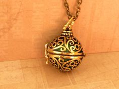 Noble Angel caller necklace Bola in gold with by Schmucktruhe