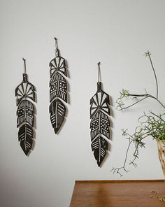 Cool black feather wall decorations. #PANDORAloves