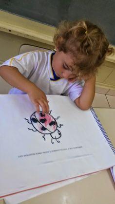 """Através dos jogos, as crianças constroem vários conceitos no processo ensino-aprendizagem.   No """"jogo da joaninha"""", cada criança lança o da..."""