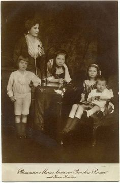 Maria Anna of Bourbon-Parma and her children