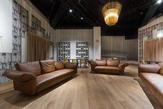 La Triennale di Milano Sofa made by Edra with leather of BOXMARK