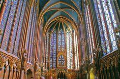 Saint Chapelle, Paris- The most gorgeous church I've ever been to. Religious Architecture, Gothic Architecture, Amazing Architecture, Sainte Chapelle Paris, Saint Chapelle, Arc Boutant, Architecture Religieuse, Art Français, Paris Wallpaper