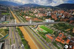I love Medellin! Just have to convince Dave. Mountains In South America, Cali, Andes Mountains, Paris Skyline, Cool Pictures, City Photo, Beautiful Places, Around The Worlds, Jungles