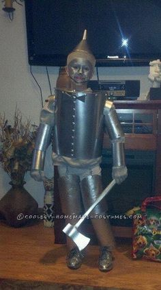 20-Year-Old Tin Man Costume Retouched and Wins Costume Contest… Again!... Coolest Halloween Costume Contest