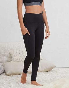 Super soft and cozy to take you from coffee to class, as well as let you namaste-all-day! Trust us, this will be your new everywhere legging.
