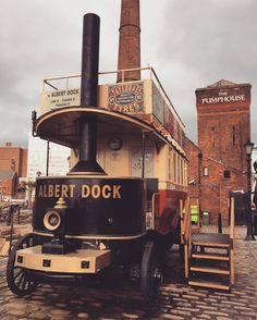 Always nice to stroll around the #albertdock #liverpool (#steamengine #bus #mersey #docks #unitedkingdom #britain #england #uk #iphone #blogger #travel #pub #vintage)