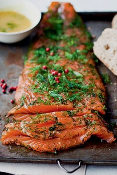 Saumon gravlax : une recette conviviale - The Best For Dinner Chicken Recipes Mexican Chicken Recipes, Healthy Chicken Recipes, Meat Recipes, Dinner Recipes, Mexican Meals, Ceviche, Mexican Side Dishes, Baked Salmon Recipes, Healthy Crockpot Recipes