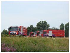 Nieuwe waterwagens voor de brandweer van Zuid-oost Drenthe bij de brandweerkazerne in Emmen op 26-07-2013.
