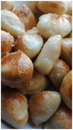 {Easy} Pretzel Bites | Heart of the Home