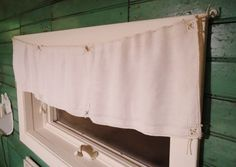 {Primping in the Ladies' Room} - Knick of Time Place mats and handkerchiefs as window dressings