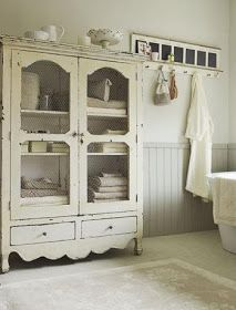 Art, Crafts and Decor by 58 Cherries: Inspiration Tuesday: Cottage Style Bathrooms