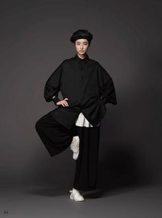 Outfits With Leggings – Lady Dress Designs Dope Fashion, Japan Fashion, School Fashion, Unisex Fashion, Womens Fashion, Fashion Styles, Japanese Fashion Designers, Japanese Street Fashion, Athleisure Fashion