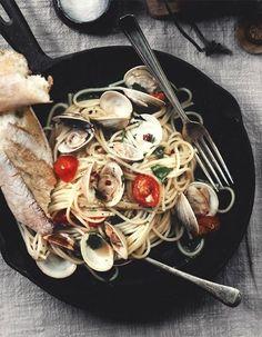 spaghetti vongole (clams)