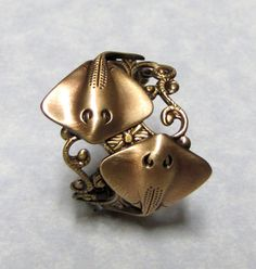 "Sting Ray Ring (www.etsy.com) ""Sting Ray Lover Nautical Ring"" $35"