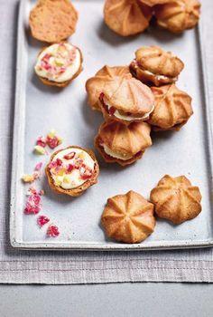 Baking Recipes, Snack Recipes, Dessert Recipes, Uk Recipes, Vegan Desserts, Cookie Recipes, Tea Cakes, Rhubarb And Custard Recipes, Cookies