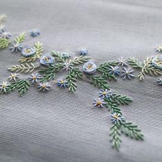 #刺しゅう #刺繍 #embroidery #handembroidery #handstitched #flower #レッスンバッグ #お稽古バッグ