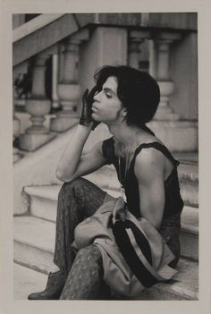 Prince in Paris, 1988 Set of four unreleased photos taken of Prince at the beginning of the 1988 European Lovesexy tour in Paris. From the collection of Prince's Parisian assistant Sophie Roux. Prince And Mayte, My Prince, Prince Meme, Prince Gifs, Prince Rogers Nelson, The Artist Prince, Pictures Of Prince, Prince Images, Rare Pictures