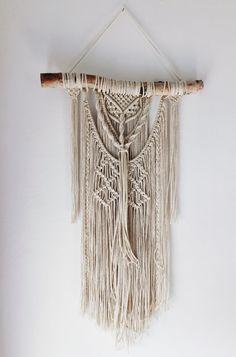 tuto rideau, branchette, macramé technique, murs blancs, décoration bohème
