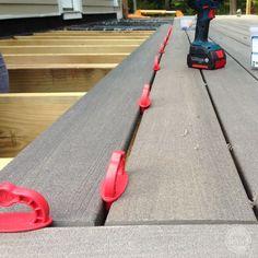 Laying Down Decking with a Kreg Deck Jig - DesignLively Kreg Deck Jig, Kreg Jig, Outdoor Projects, Diy Projects, Just Relax, Bbq Grill, Decking, Family Activities, Outdoor Power Equipment