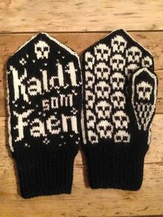 Kaldt som faen Mittens Pattern, Knit Mittens, Mitten Gloves, Minion Baby, Loom Knitting Patterns, Crochet Clothes, Drink Sleeves, Knit Crochet, Diy And Crafts