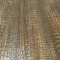 Tommy Bahama Room A thin layer of embossing medium and a crocodile patterned roller AND some amazing glazes by Paint Couture!= beautiful depth and one of a kind pieces! Hand Painted Furniture, Paint Furniture, Furniture Projects, Furniture Makeover, Faux Painting, Painting Tips, Painting Techniques, Paint Stain, Paint Finishes