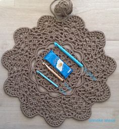 Doily t shirt rug free pattern