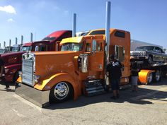 My buddies from Rollin R Enterprises were at the Irwindale Truck Show 10-02-16