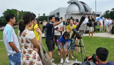 Hoe Pei Shan. (2013). Expert stargazers see bright future for astronomy. Available: http://www.straitstimes.com/the-big-story/case-you-missed-it/story/expert-stargazers-see-bright-future-astronomy-20130320. Last accessed 20th Dec 2013.