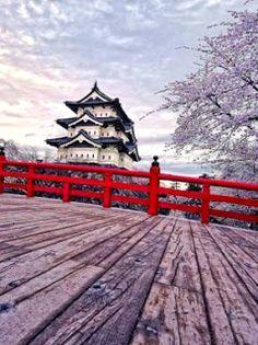 Hirosaki Castle, Japan (Best Honeymoon Destinations In Asia)   BestHoneymoonDestinationss.blogspot.com
