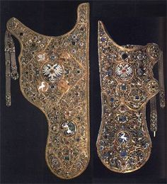 Saadak, The Armoury Chamber, 1627-1628. Leather, gold, silver, precious stones, fabric; carving, enamels. Length of the bow case 78,3, length of the quiver 47,5